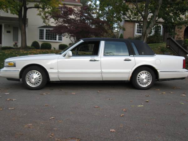 Insurance Rate Quote For 1996 Lincoln Town Car Executive Sedan 4