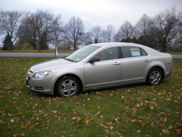 State Farm Insurance Rate Quote For 2008 CHEVROLET MALIBU LS 2WD SEDAN 4 DOOR - 3.5L V6  SFI DOHC 24V NS4 $54.13 Per Month