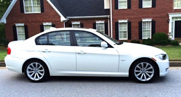 Allstate Insurance Rate Quote For 2011 BMW 328I SULEV 2WD SEDAN 4 DOOR - 3.0L L6  FI  DOHC 24V NF4 $109.89 Per Month