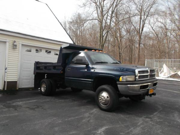 State Farm Insurance Rate Quote For 2001 DODGE RAM 3500 4WD CAB AND CHASSIS - 8.0L V10 SFI OHV  20V NS2 $191.65 Per Month