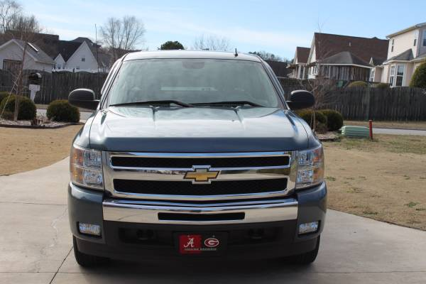State Farm Insurance Rate Quote For 2011 CHEVROLET SILVERADO K2500HD LT 4WD PICKUP - 6.6L V8  DIR OHV  32V  S4 $55.91 Per Month