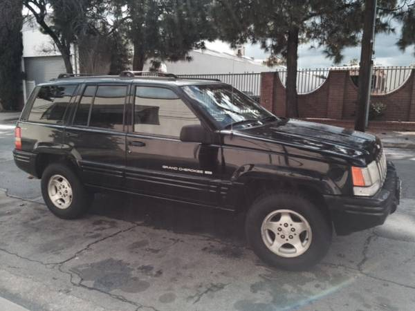 Compare State Farm Insurance Policy Quote For 1998 JEEP CHEROKEE LIMITED 4WD WAGON 4 DOOR - 4.0L L6  FI           NF $212.81 Per Month
