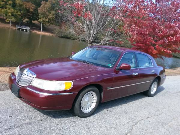 Insurance Quote For 1998 LINCOLN TOWN CAR CARTIER 2WD SEDAN 4 DOOR - 4.6L V8  SFI OHV      NS $79.76 Per Month
