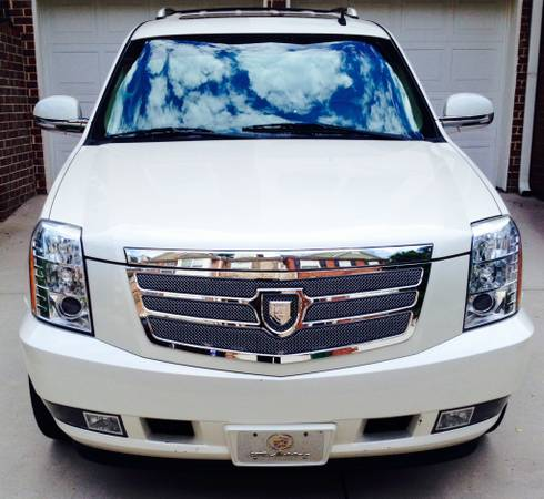 Insurance Quote For 2009 CADILLAC ESCALADE EXT LUXURY 4WD UTILITY - 6.2L V8  SFI OHV  16V NS2 $68.85 Per Month