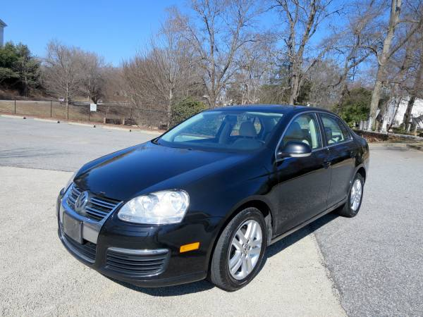 Insurance Quote For 2010 VOLKSWAGEN JETTA SE 2WD STATION WAGON - 2.5L L5  SFI DOHC 20V NS4 $149.58 Per Month