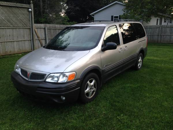 Auto Insurance Rate Quote for 2001 Pontiac Montana Value Edition in Flint MI $15.59 per Month