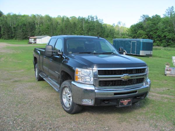 Auto Insurance Rate Quote for 2009 Chevrolet Silverado 3500HD LTZ Crew Cab 4WD in Denton Texas $265.35 per Month