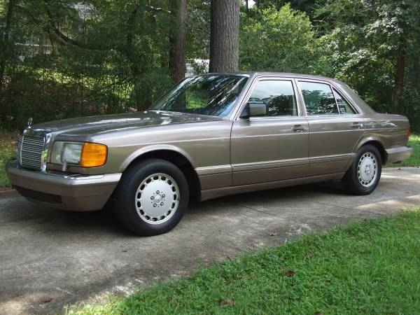 Insurance Rate for 1988 Mercedes-Benz 300 SE Sedan - Average Quote $78 per Month