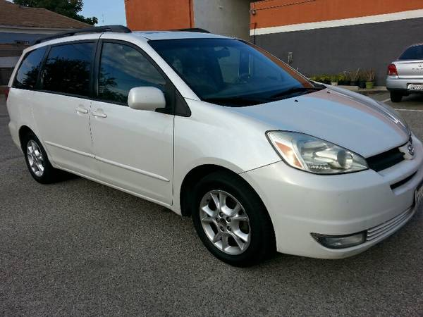 Insurance Rate for 2005 Toyota Sienna - Average Quote $67 per Month