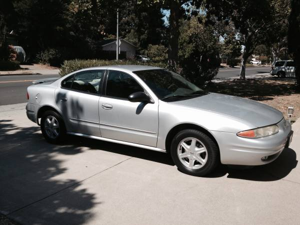 Insurance Rate for 2003 Oldsmobile Alero GL2 Sedan - Average Quote $121 per Month