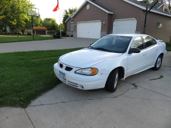 Insurance Rate for 2004 Pontiac Grand AM SE1 sedan - Average Quote $154 per Month