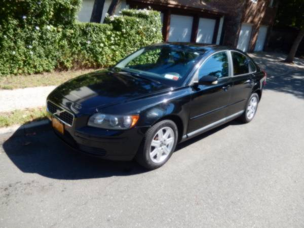 Insurance Rate for 2006 Volvo S40 2.4i - Average Quote $54 per Month