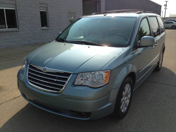 Insurance Rate for 2008 Chrysler Town & Country Touring - Average Quote $89 per Month