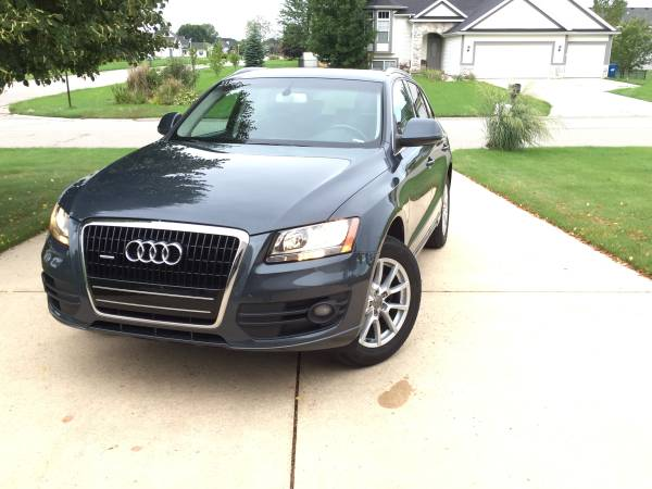 Insurance Rate for 2009 Audi Q5 3.2 quattro Premium - Average Quote $156 per Month