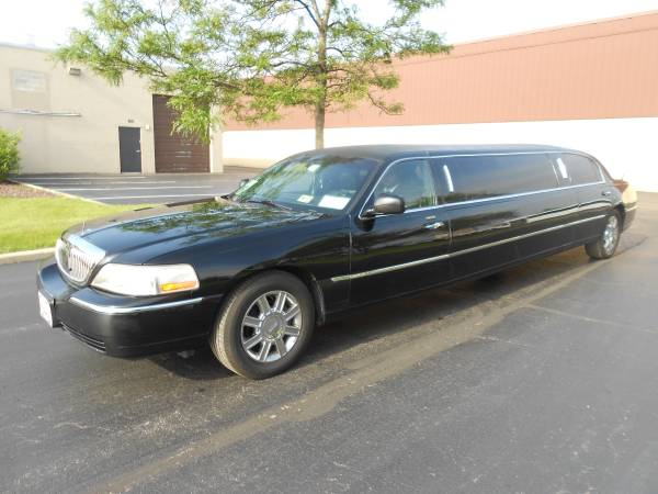 Insurance Rate for 2009 Lincoln Town Car Executive Limo - Average Quote $119 per Month