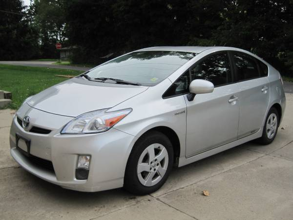 Insurance Rate for 2010 Toyota Prius Prius V - Average Quote $107 per Month