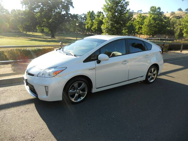 Insurance Rate for 2013 Toyota Prius - Average Quote $139 per Month