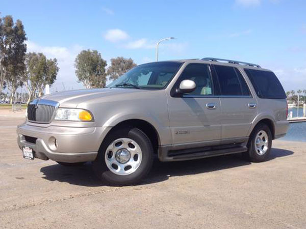 2002 Lincoln Navigator Base Insurance $100 Per Month