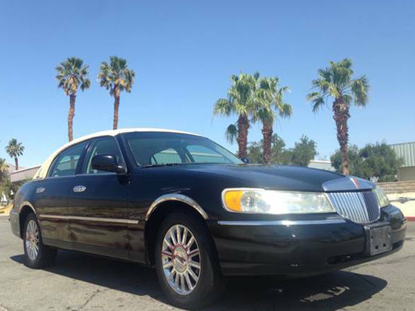 2003 Lincoln Town Car Signature Insurance $100 Per Month