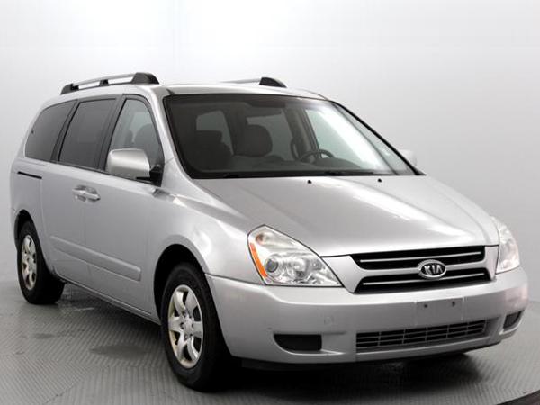 2006 Kia  Sdona Insurance $100 Per Month